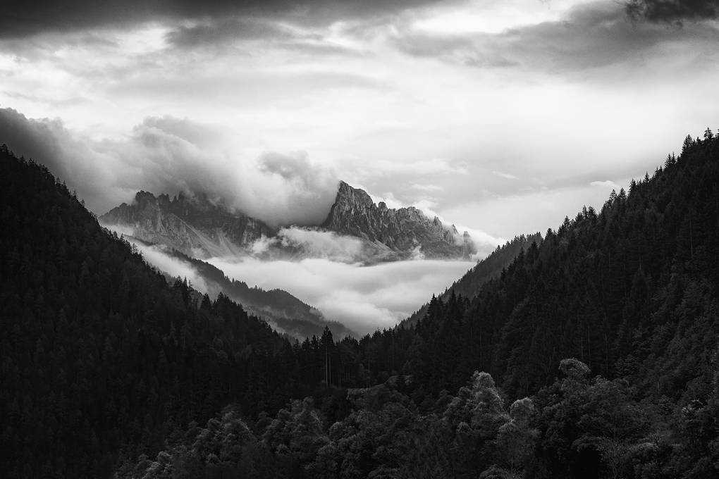 mountains, dolomiten, suedtirol, italy, black and white, schwarzweiss, fine art photography, thomas menk, photography,
